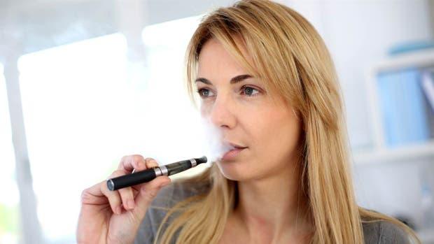 Cigarrillo electrónico: los riesgos de la falta de legislación y control en el país