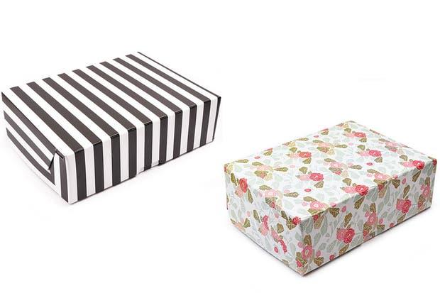 Cajas para guardar y archivar (Staples, $76,50 cada una).