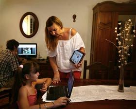 Florencia Díaz controla a diario lo que hacen sus hijos, de 9, 2 y 14 años en la Web