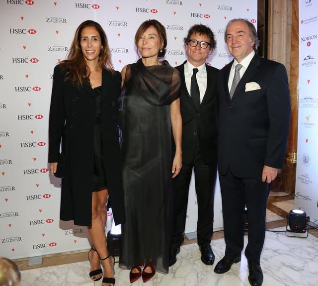 Los Zaldivar junto con Gabriel Martino, Presidente de HSBC y su mujer Florencia