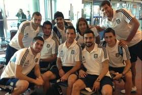 Lavezzi tuiteó una foto en el aeropuerto