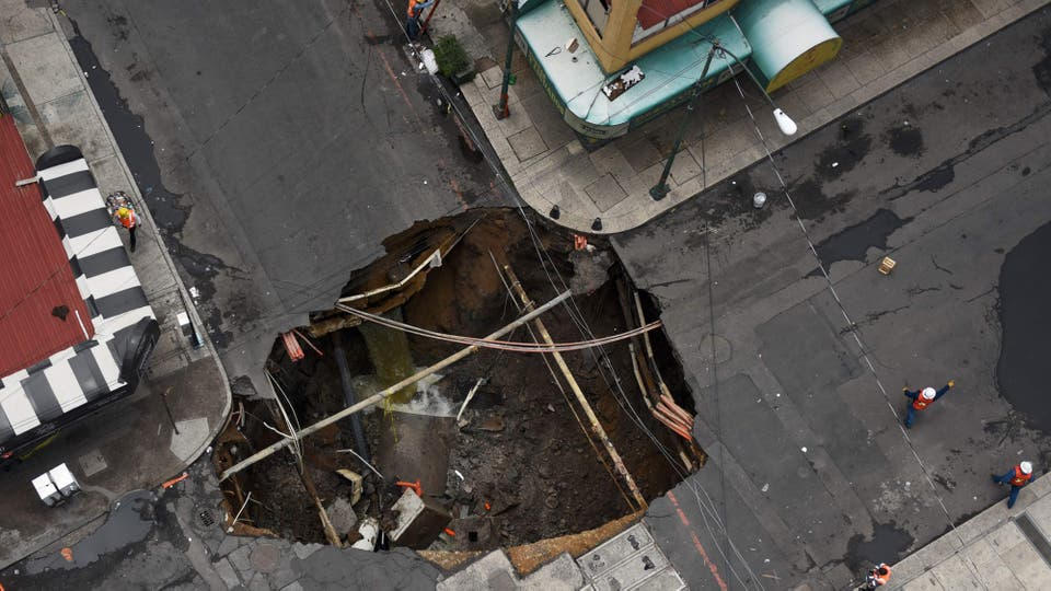 Causó cortes de energía, inundaciones y daños en la región turística de Los Cabos. Foto: AFP