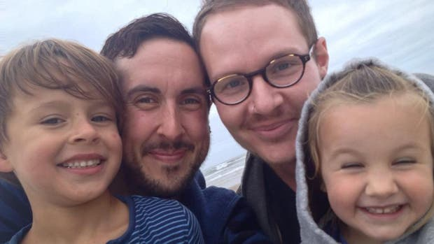 Transgénero quedó embarazado de su marido gay en EE.UU