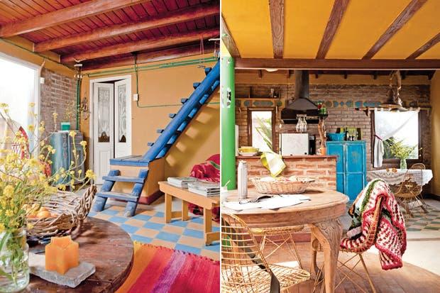 Sobre una de las sillas Eames, alfombra de hilo de algodón tejida al crochet ($1.400, Husos y Costumbres). Todas las carpinterías de pino tea son de demolición, y se adquirieron en remates de la zona..