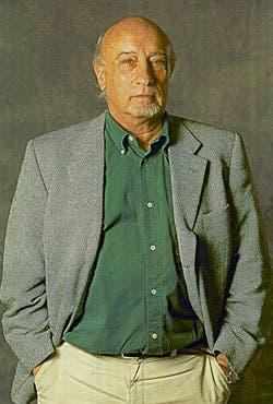 Manuel Vincent, español. Escritor prolífico y columnista dominical del diario El País, de Madrid