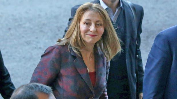 Antes que la echen: renunció la procuradora Gils Carbó