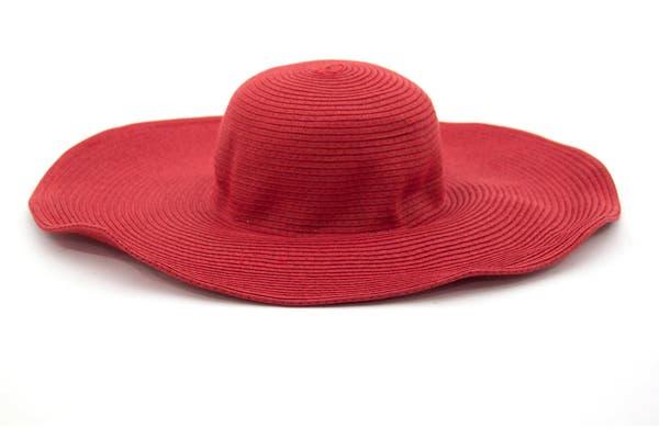 Capellina roja (Chenson, $150).