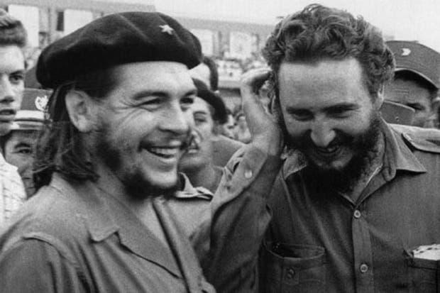 Fidel Castro y el Che, durante los años de la revolución