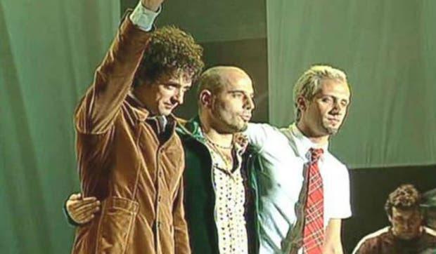 Gustavo Cerati, Zeta Bosio y Charly Alberti en River Plate, en 1997, en la despedida de la banda. Un show que marcó un hito artístico y de producción en los recitales de estadio