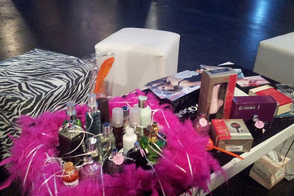 Canastas de productos, ideales para despedidas de solteras. Foto: Verónica Malamfant