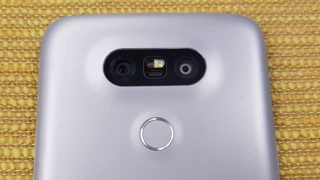 La doble cámara trasera del LG G5; el V20 tiene la misma configuración