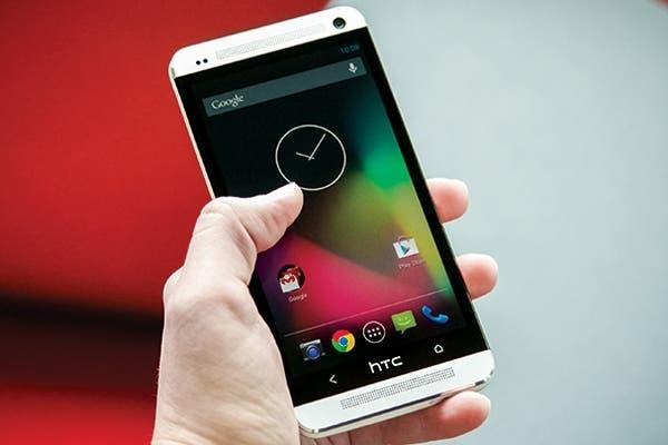 Un HTC One de la firma taiwanesa con la versión base de Android, el sistema operativo de Google