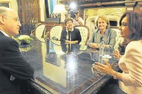 Timerman, la embajadora Martínez, la subsecretaria norteamericana Judith McHale y la presidenta Kirchner