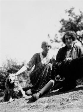 Virginia Woolf junto a su gran amiga íntima Vita Sackville-West