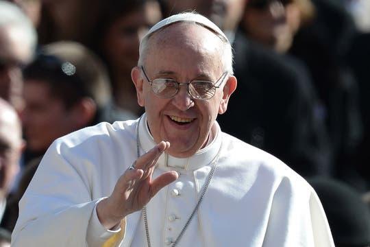 Gestos y expresiones del papa Francisco durante la ceremonia de asunción. Foto: AFP