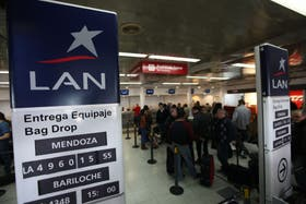 LAN vuelve paulatinamente a operar tras la conciliación obligatoria