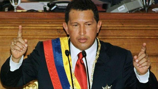 Hugo Chávez asume la presidencia en 1999
