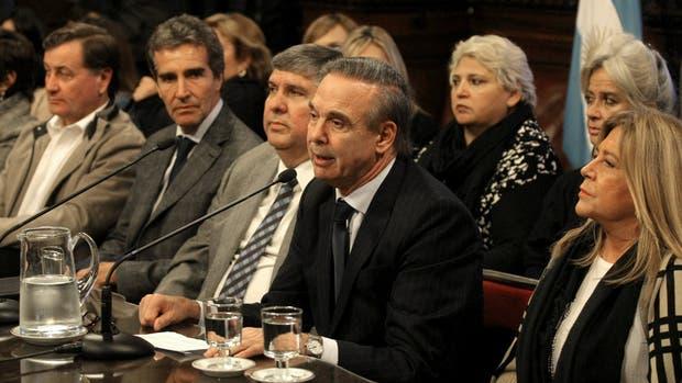 Senado: se reactivó la interna peronista por el control del bloque