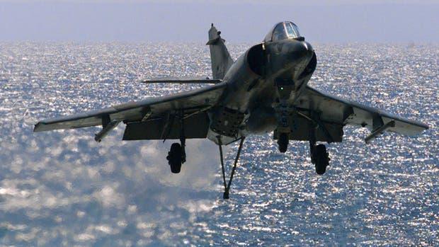 Un avión de combate Super Étendard