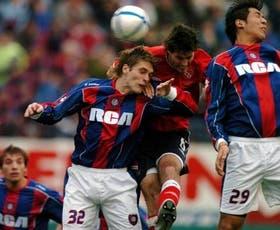 El centro ya superó a Ulloa y Manrique le intenta ganar en el salto a Walter García