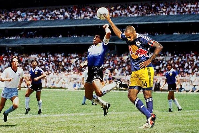 Henry se transformó en meme y detuvo el gol de Diego a los ingleseses