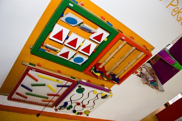 Didácticos a puro color para jugar mientras esperan el almuerzo. Foto: Gentileza Agustina Ferreri