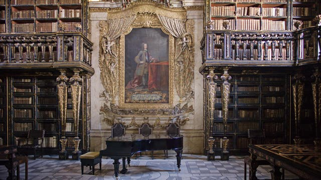 La biblioteca de la Universidad de Coímbra