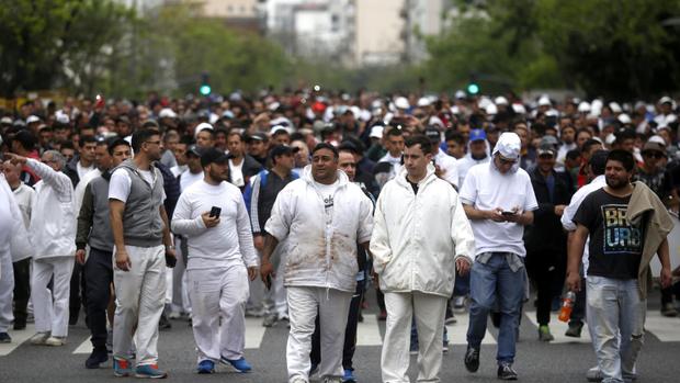 Los empleados se manifestaron ayer frente al Ministerio de Agroindustria