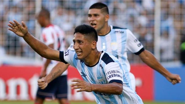 Atlético Tucumán golea a Junior y se mete en la etapa de Grupos de la Copa