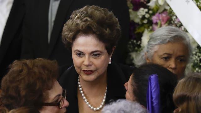 Dilma Rousseff asistió al funeral de la mujer de Lula