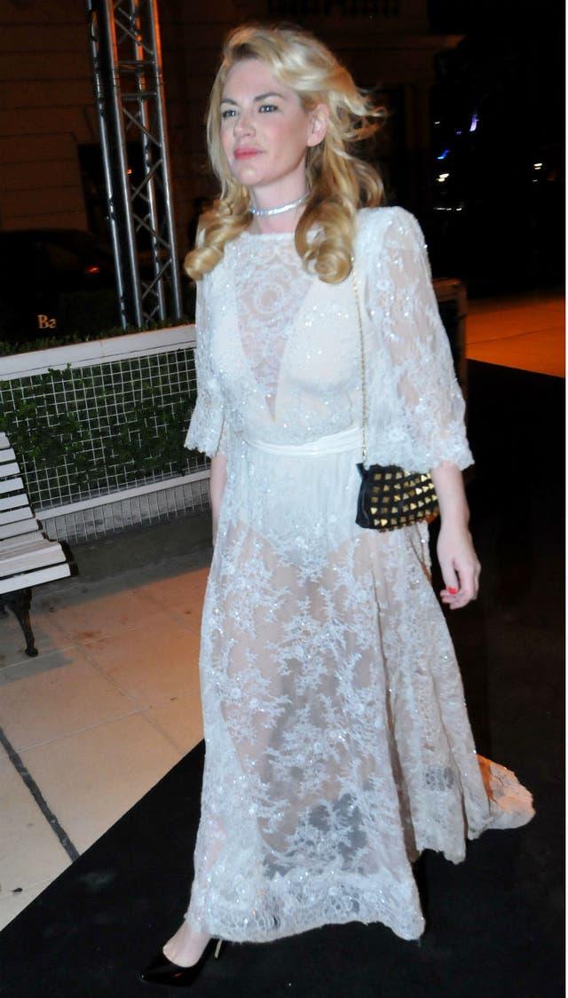 Esmeralda Mitre eligió un look total white para la ocasión