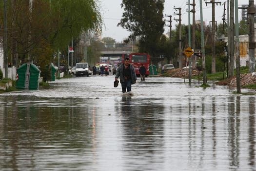 Quilmes ya sufre las consecuencias de la sudestada. Foto: LA NACION / Ricardo Pristupluk