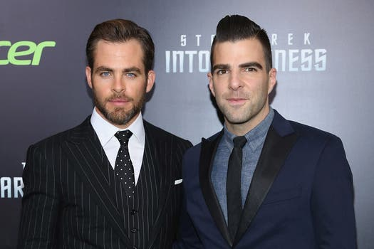 "Chris Pine y Zachary Quinto en la presentación de ""Star Trek Into Darkness"", con look espacial. Foto: AFP"