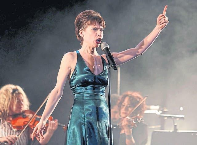 Elena Roger junto a la Orquesta Hyponofón