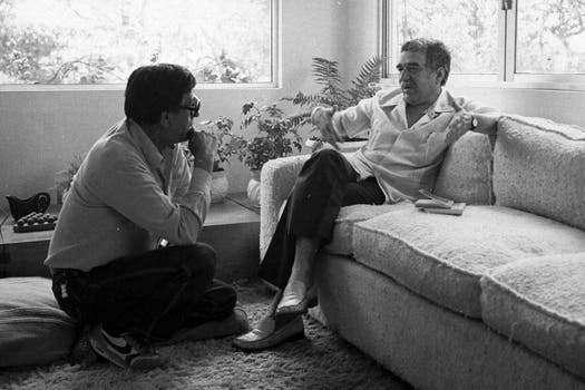 Humberto Rios junto a Gabriel Garcia Marquez. Foto: Archivo