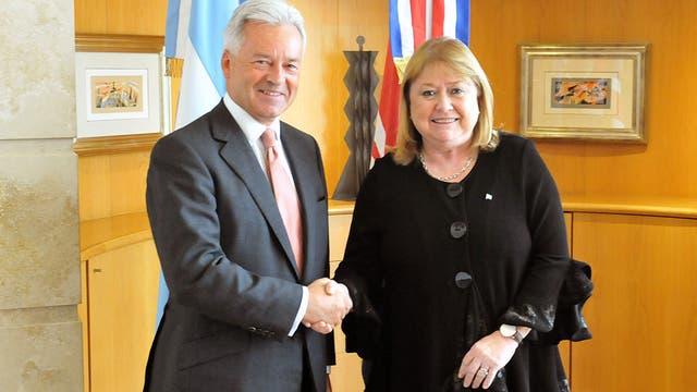 El vicecanciller británico Alan Duncan y la canciller Susana Malcorra se reunieron en septiembre pasado en Buenos Aires, donde redactaron el comunicado