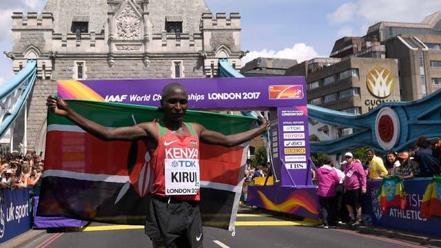 El etíope Kirui, ganador del maratón masculino del Mundial de Atletismo
