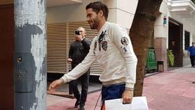 Fernando Gago al ingresar al Sanatorio Agote