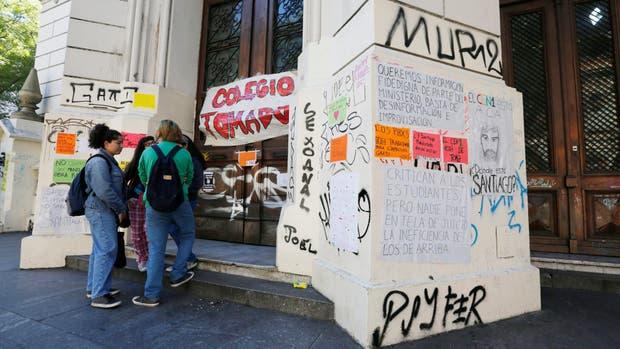 El Nacional Buenos Aires, el colegio donde el abuso habría tomado lugar durante la toma