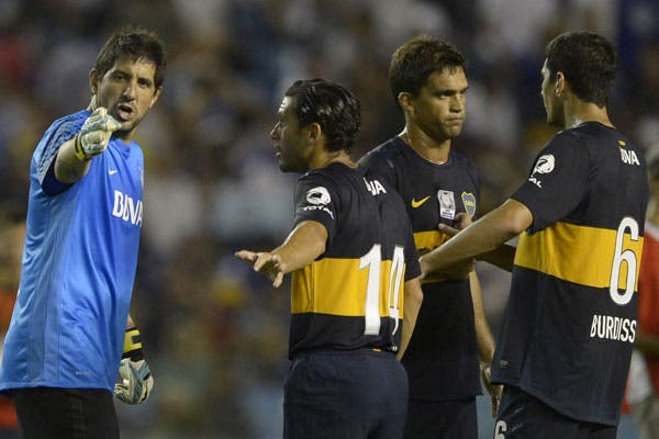 Cellay, Caruzzo y Burdisso, en problemas
