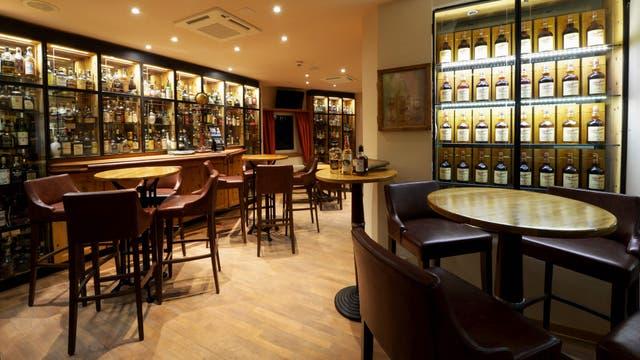 El bar del hotel Waldhaus