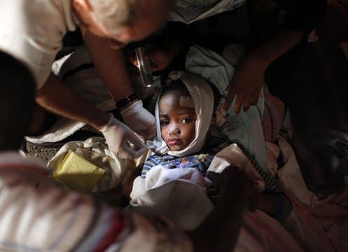 Dramático escenario en Haití, tras el sismo. Foto: Reuters
