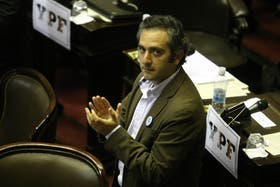 Andrés Larroque, diputado por el FPV y dirigente de La Cámpora