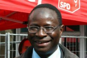 Karamba Diaby de 52 años llegó a Alemania con una beca de estudio en 1985 y siempre se dedicó a la política