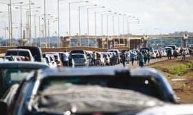 Argentinos cruzan a Paraguay
