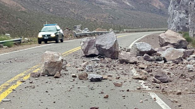 El temblor afectó, en Uspallata, el tránsito vehicular hacia Chile