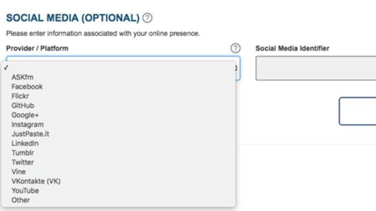 Los viajeros de países que no requieren visa de entrada a EE.UU. pueden llenar opcionalmente un formulario sobre cuentas de redes sociales.