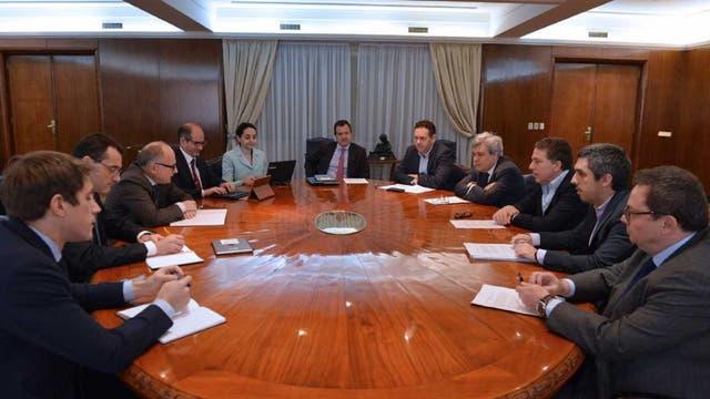 El titular del Palacio de Hacienda, Nicolás Dujovne, recibió, esta mañana, a las autoridades del FMI