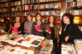 Silvina Ross, Gloria Lenardón, Liliana Heer, Susana Szwarc y Luisa Valenzuela
