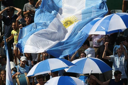 La hinchada argentina. Foto: LA NACION / Mauro Alfieri